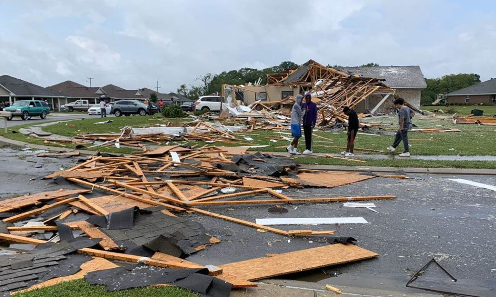 At least 16 dead as tornadoes rip through the South