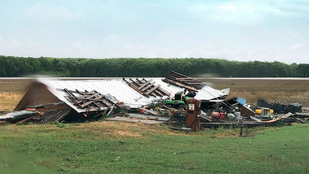 6 dead, half a million without power as storms batter South