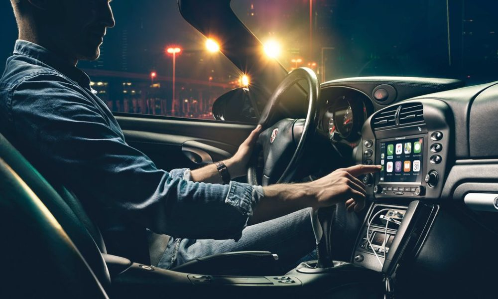 Porsche unveils CarPlay-compatible radios for its classic cars