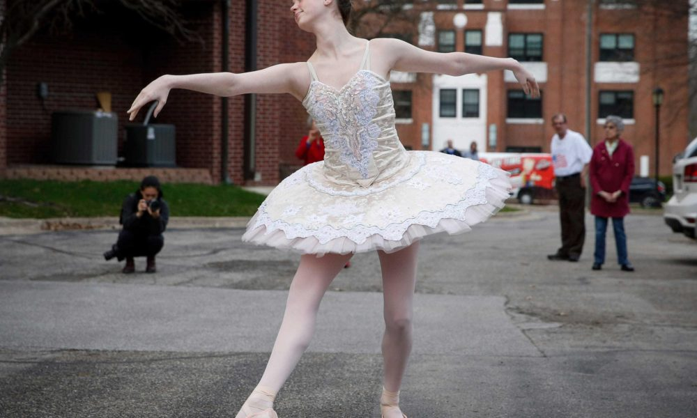 Ballet for seniors, Dr. Fauci bobblehead, Patriots' plane ferries N95 masks: News from around our 50 states