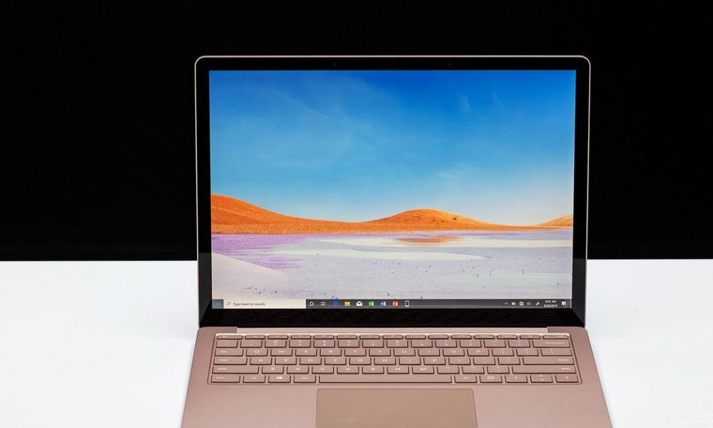 Microsoft offering free repairs for mysterious Surface Laptop 3 screen cracks