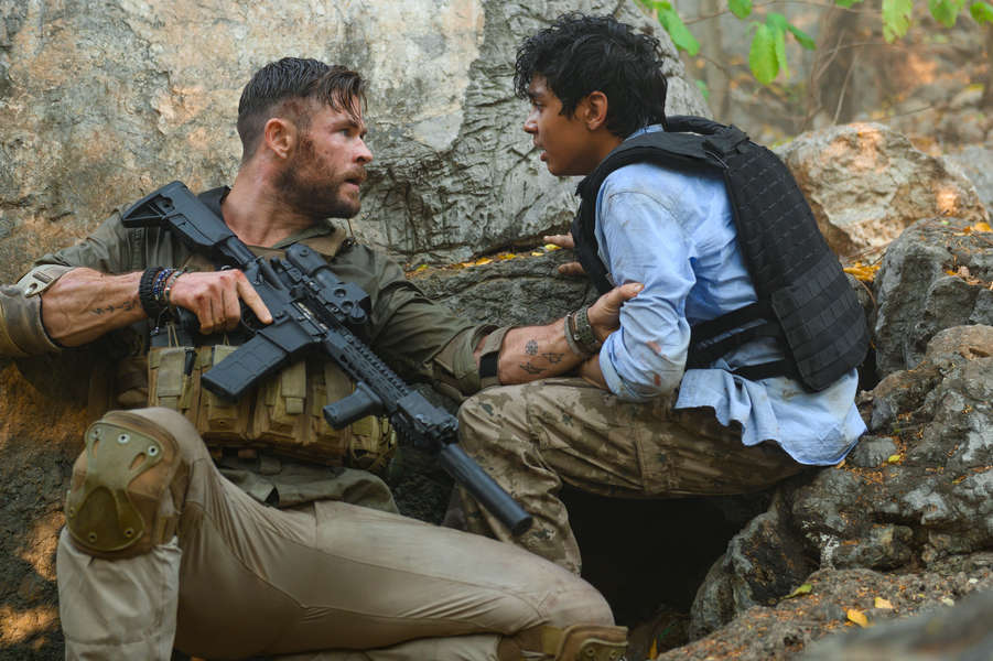 Netflix's Action Thriller 'Extraction' Is a Bloody, Brutal Riff on 'Man on Fire' – Thrillist