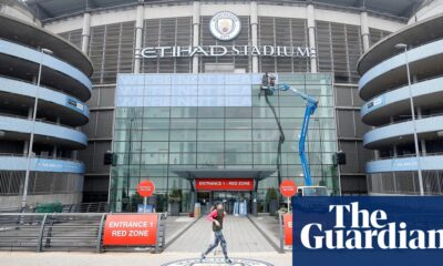 Government warns of neutral grounds in Premier League if fans go to matches