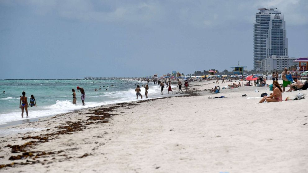 Over 2,000 new COVID-19 cases in Florida for 2 straight days as more beaches reopen