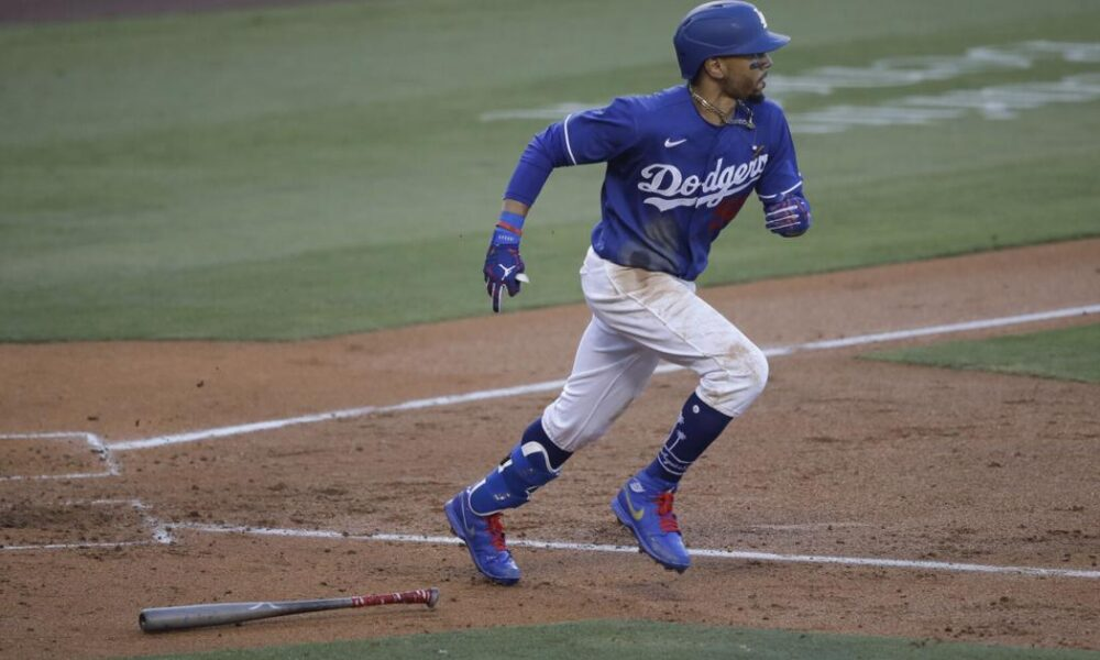 Betts gets $365M, 12-year deal with Dodgers through 2032