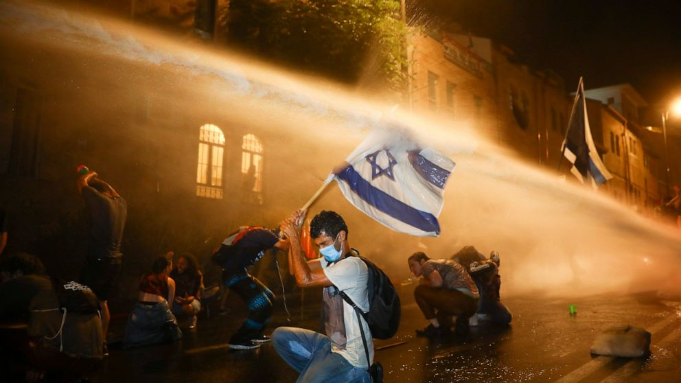 Coronavirus crisis sparks a young Israeli protest movement