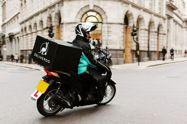 Amazon's 16% bite of Deliveroo finally clears UK competition probe