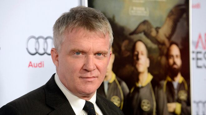 Anthony Michael Hall apologizes for expletive-filled tirade towards hotel pool guests
