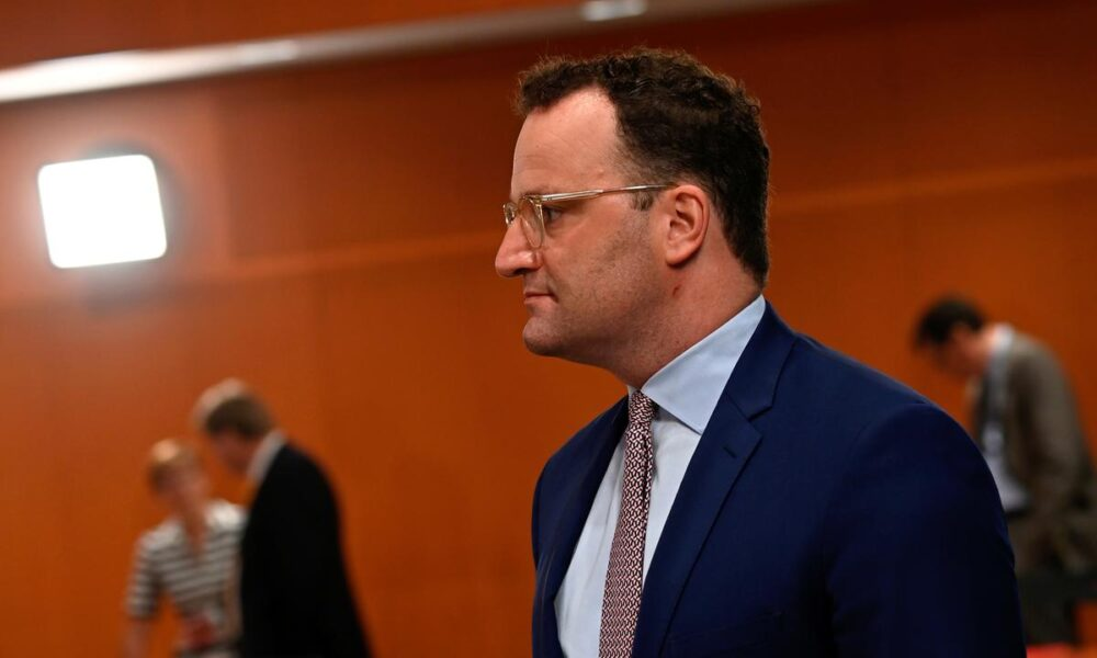 German health minister warns against 'party holidays' – Reuters India