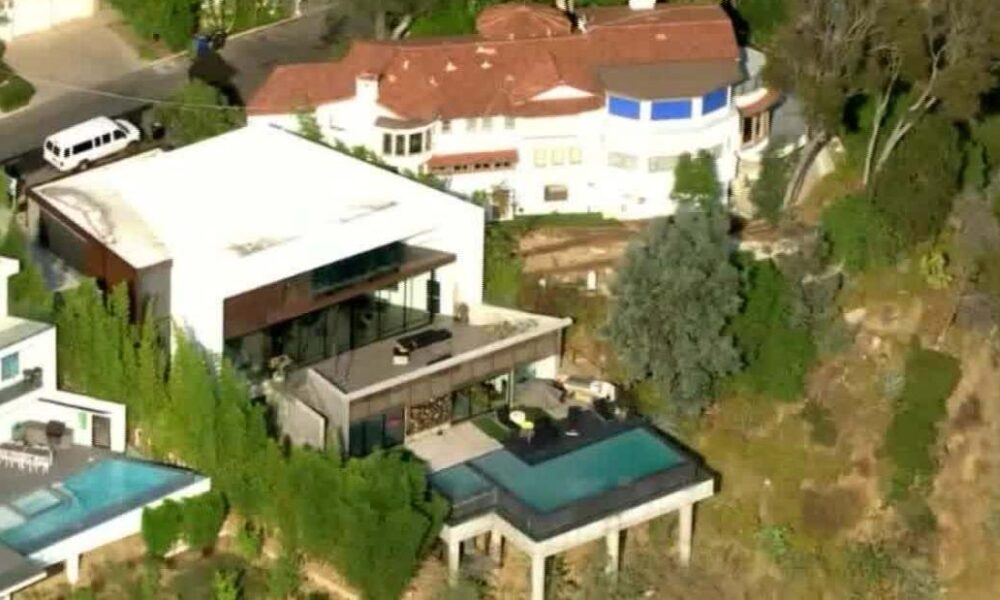 Los Angeles mayor shuts off power at 'party house' mansion