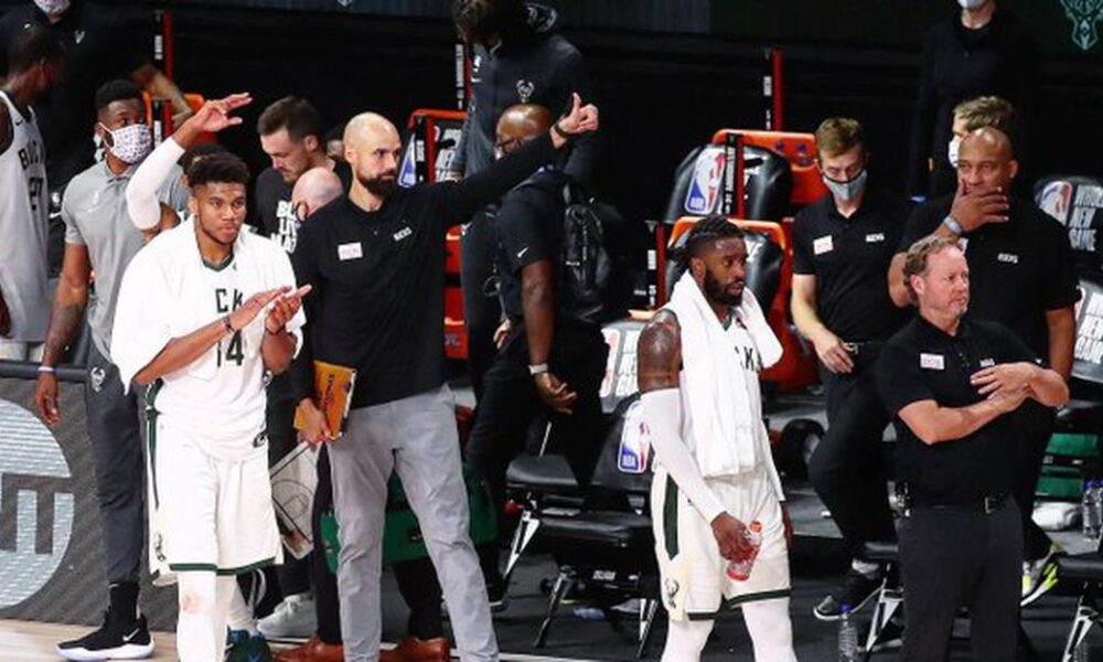 Top Tweets: Bucks celebrate after they clinch top seed
