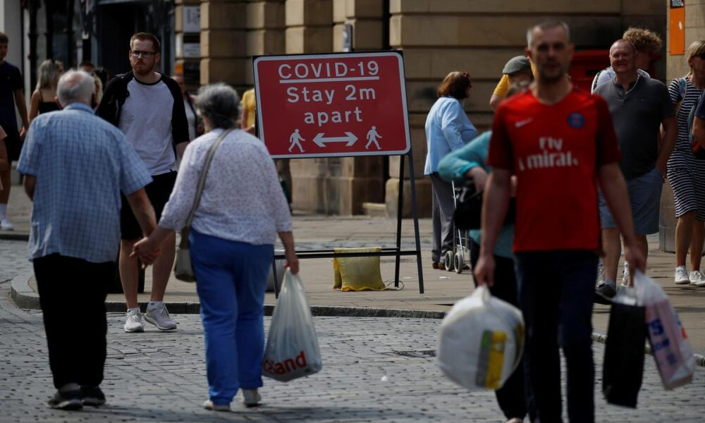 Britain's hot weather keeps shopper numbers low – Reuters UK