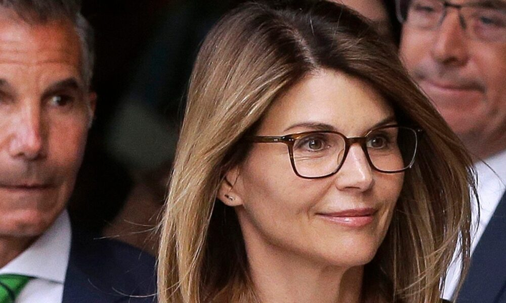 Lori Loughlin's sentence is a 'great outcome' for her, legal expert says: 'She should thank her lucky stars'
